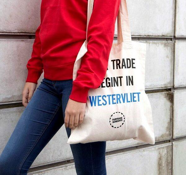 Groepsaankoop: Fairtrade & gepersonaliseerde tassen voor jouw FairTradeGemeente
